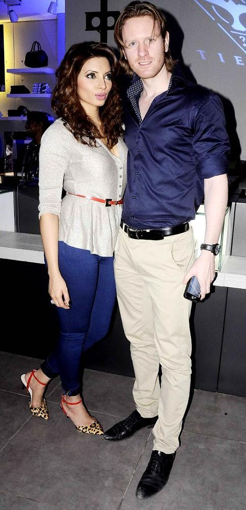 Shama With Alex Spotted At The Fashionable Night In A Cloth Launch Event