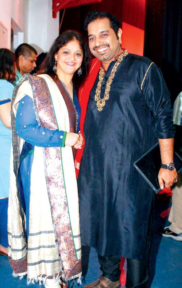 Shankar With Wife Sangeeta Smile For The Camera At Jazz And Indian Music Fusion Concert