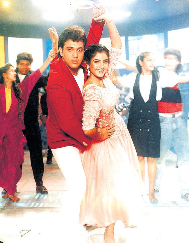 Divya Bharti And Govinda Dancing Still From Shola Aur Shabnam Movie