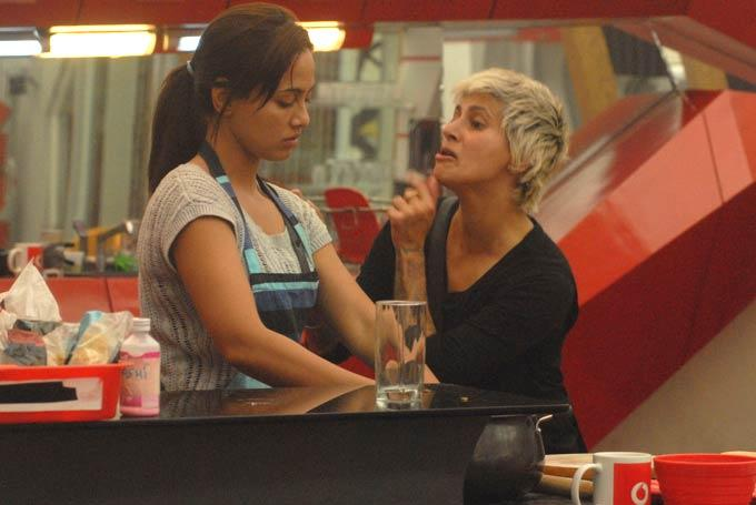 Sana And Sapna Clicked In Kitchen On Day 59 In Bigg Boss 6