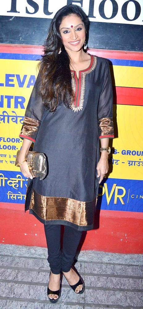 Purbi Joshi Cute Smiling Still At Khiladi 786 Screening