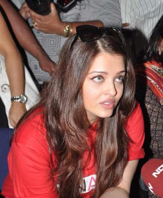 Aishwarya Rai Raising The Awarness About AIDS Among People