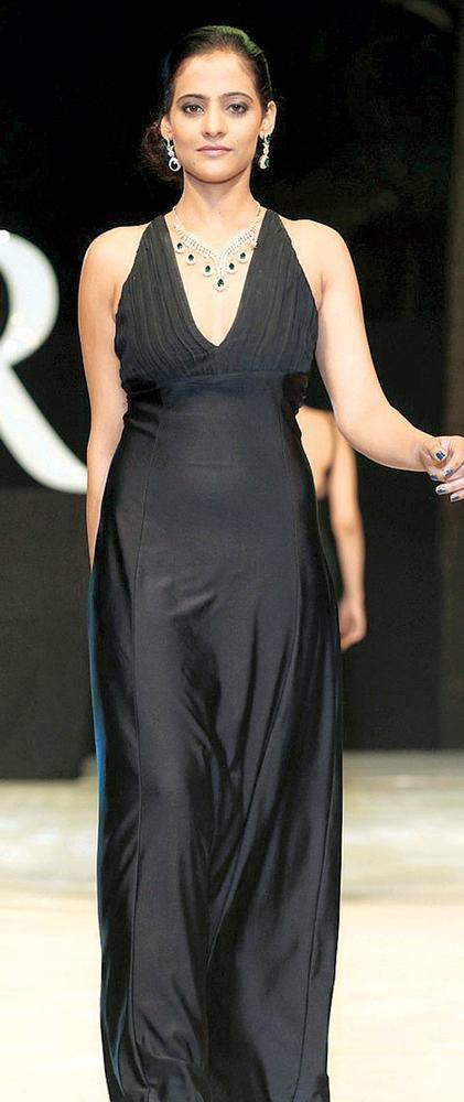 Models In Jewellery From True Platinum
