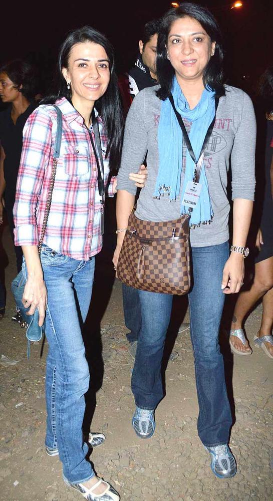 Namrata With Sister Priya At Guns N Roses Concert