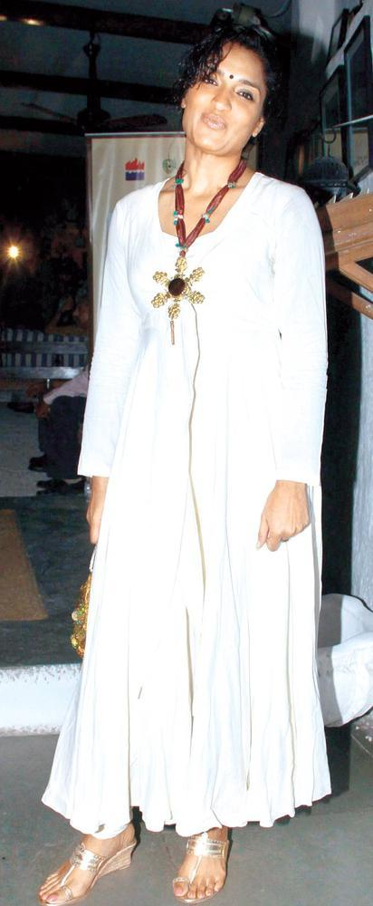 Sandhya Mridul Looked Radiant In A White Gown At The Launch Of Sanjay Chopra's New Book