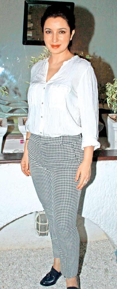 Tisca Chopra Makes An Elegant Appearance At The Launch Of Sanjay Chopra's New Book