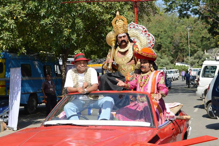 Vinod Kumar Funny Still At Yamudu Vastunnadu Movie Launch