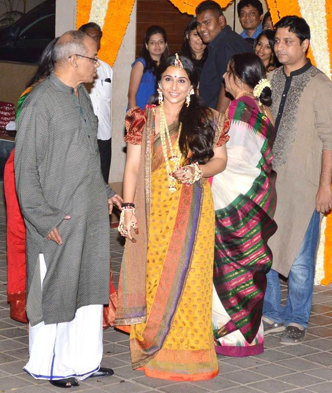 Vidya With Her Father P K Balan Posed For Camera At Her Mehendi Ceremony