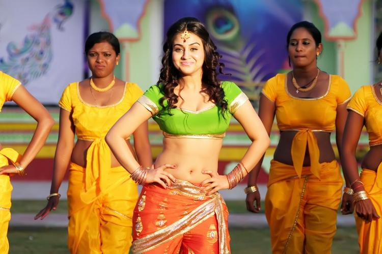 Aksha Sexy And Hot Look From Rye Rye Movie
