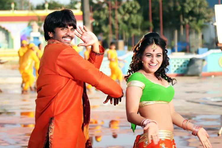 Srinivas And Aksha Sexy Dancing Still From Rye Rye Movie