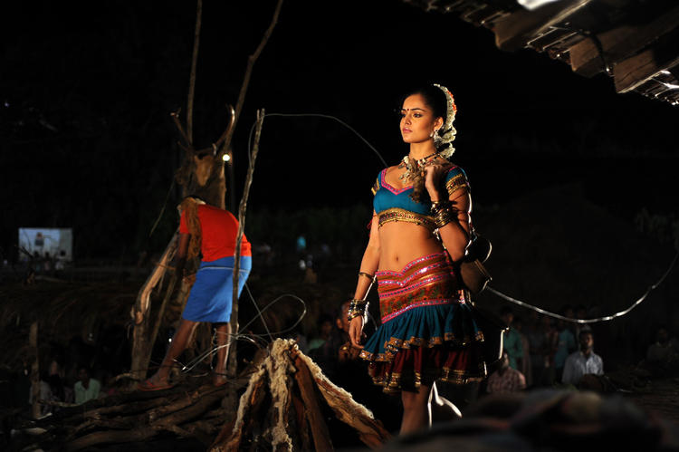 Nathalia Cute Sexy Item Song Performance Photo Still In Dhalam