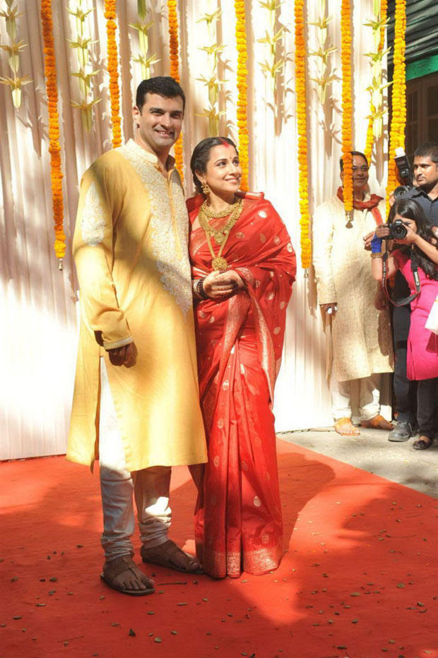 Vidya And Siddharth Posed During Their Wedding Ceremony
