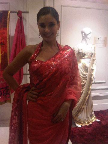 Lisa Ray At The Auction Of Satya Paul Saree