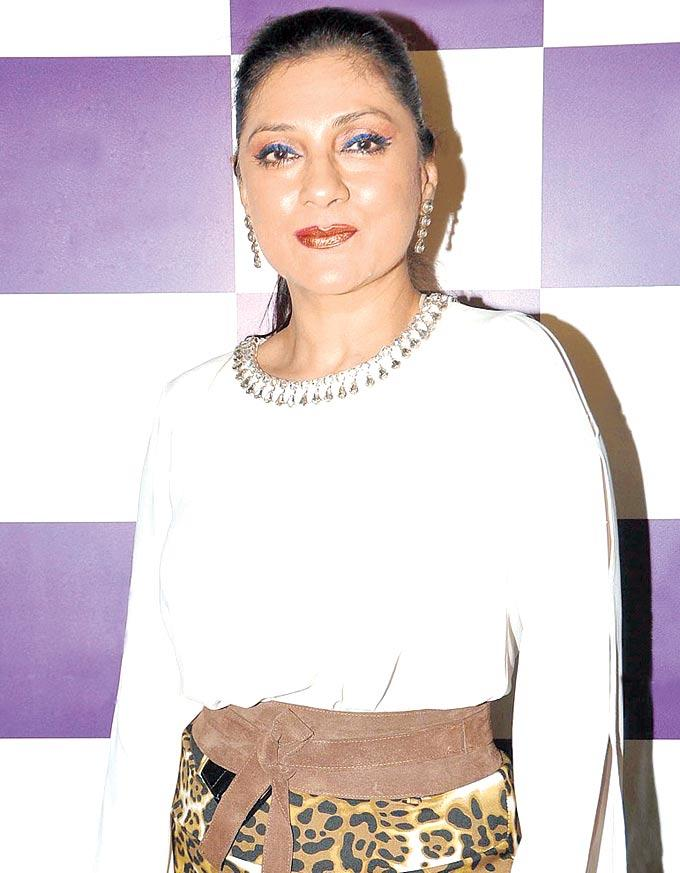 Aarti Strikes A Pose At The Launch Of Judith Leiber New Collection Of Clutches