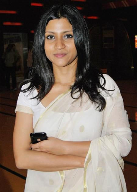 Konkona Sen Sharma In White Saree Hot Look Still