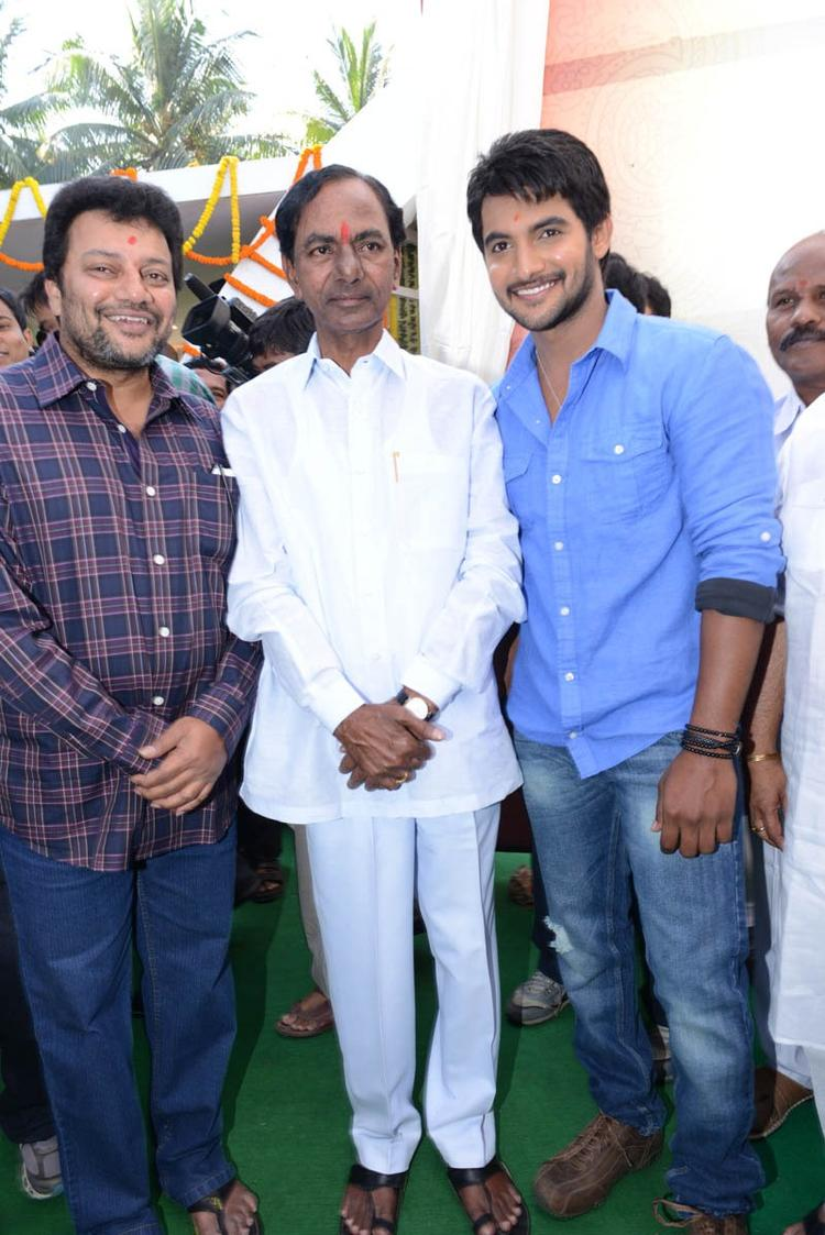 Aadi With KCR Posed For Camera At Aadi New Movie Launch Event