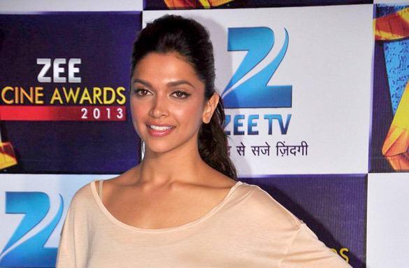 Deepika Padukone Flashes Smile At Zee Cine Awards Press Conference