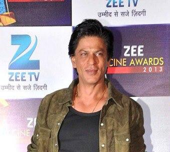 Shahrukh Khan Strikes A Pose At Zee Cine Awards Press Conference
