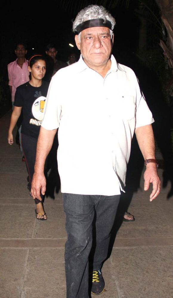Om Puri Photo Clicked In A Candle Light Rally In Memory Of Damini
