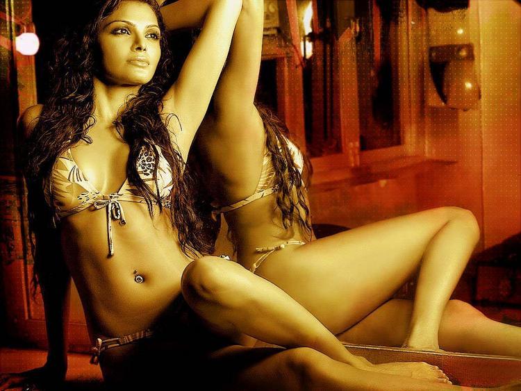 Mona Chopra Latest Glamour Still