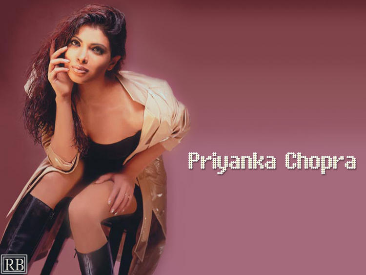 Priyanka Chopra Hot Look Wallpaper