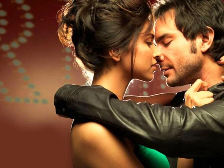 Deepika Padukone and Saif Ali Khan Kissing Pic