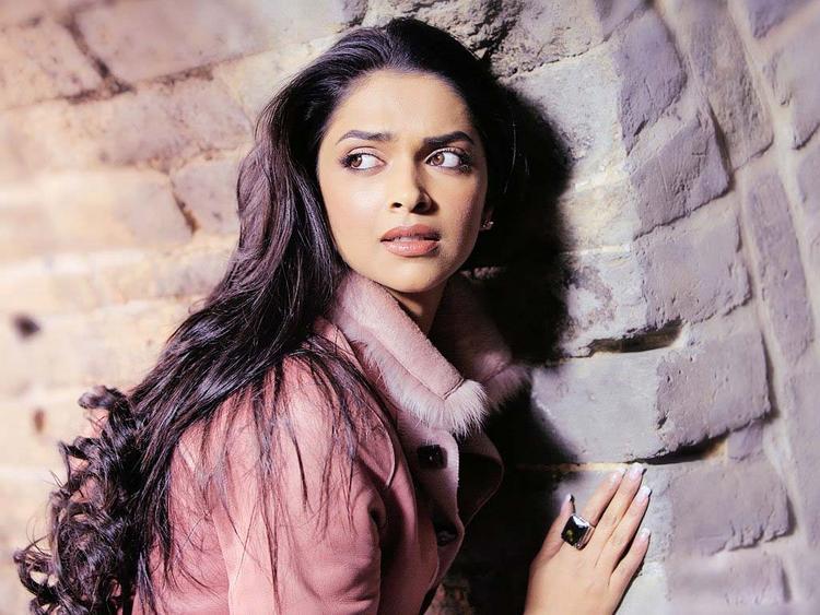Deepika Padukone Latest Pic