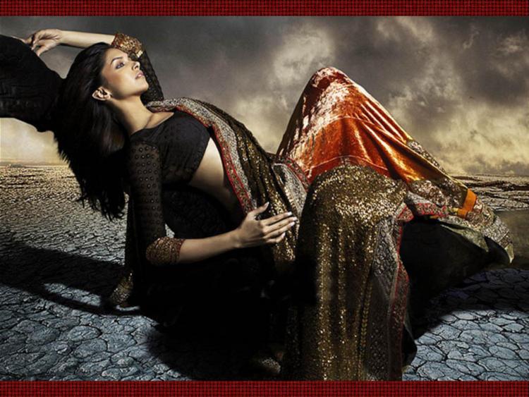 Deepika Padukone Sizzling Photo Shoot