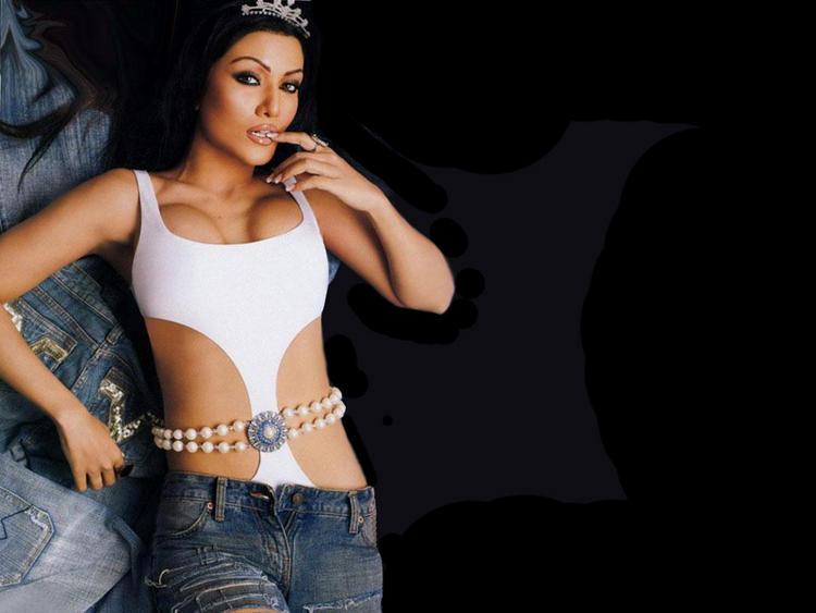 Koena Mitra Open Boob Show Sexy Wallpaper
