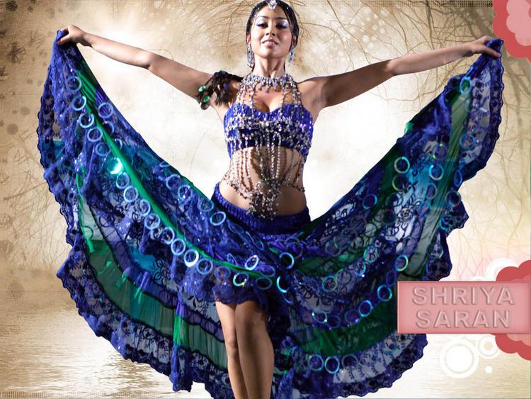 Shriya Saran Sexy Dance Still