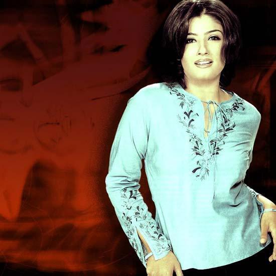 Raveena Tandon Hot Wallpaper