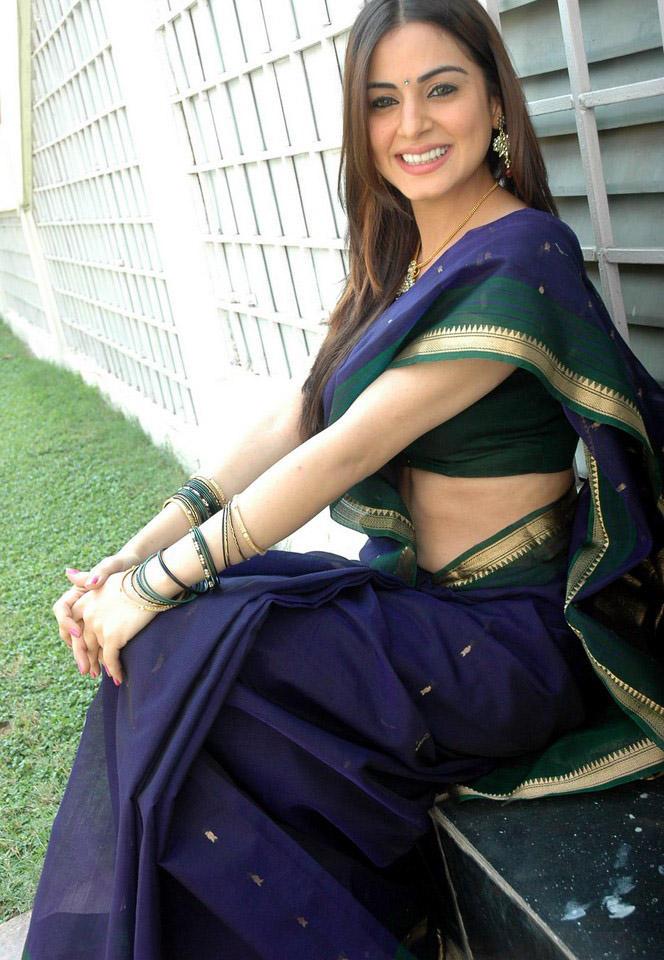 Shraddha Arya Beauty Smile Sexy Pose Photo Shoot