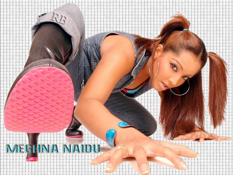 Meghna Naidu Cute hair Style Hot Wallpaper