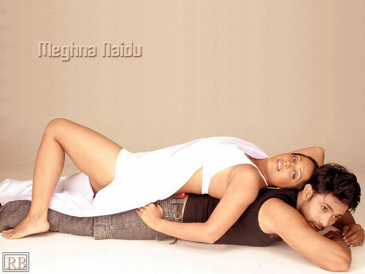 Meghna Naidu Glamour Wallpaper