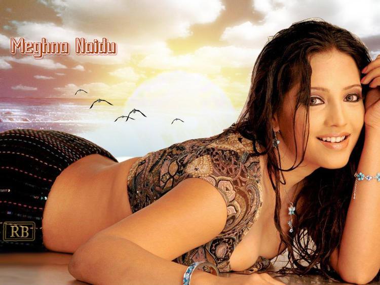 Meghna Naidu Sexy Pose Wallpaper
