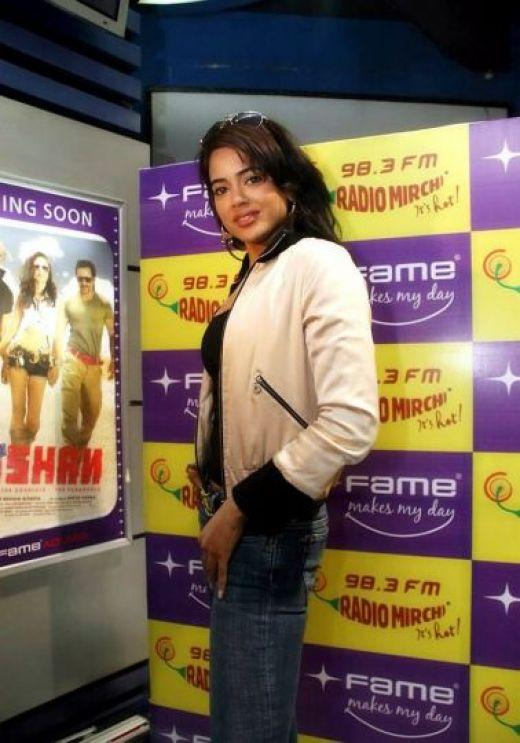 Sameera Reddy Sexy Pose With Jeans