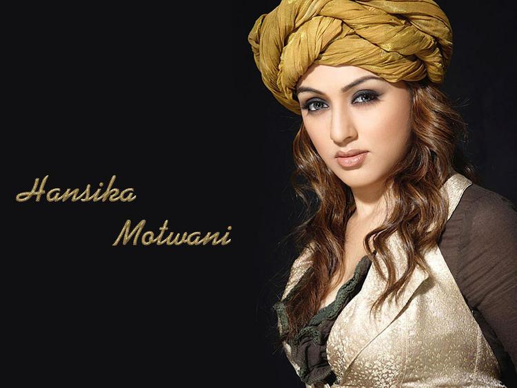 Beauty Queen Hansika Motwani Wallpaper