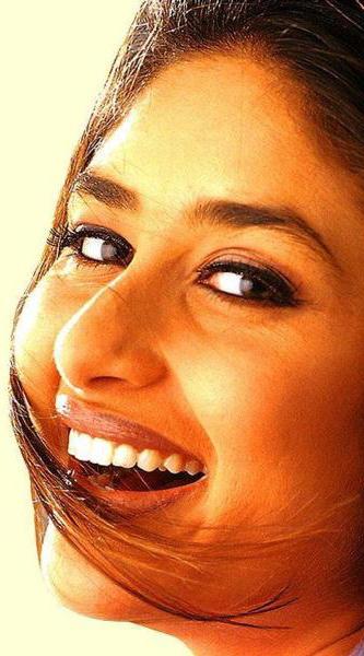 Kareena Kapoor With Open Smile Pic