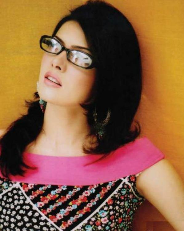 Mona Lisa Wearing Goggles Wallpaper