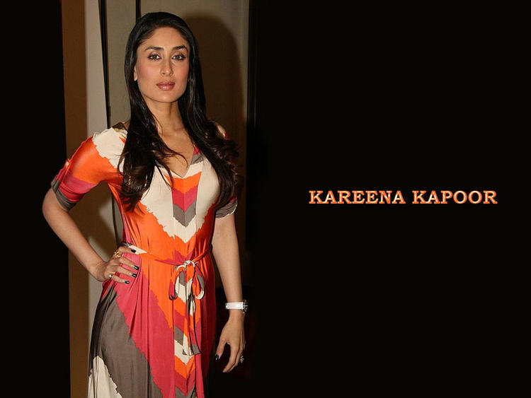 Kareena Kapoor Beautiful Simple Look Wallpaper