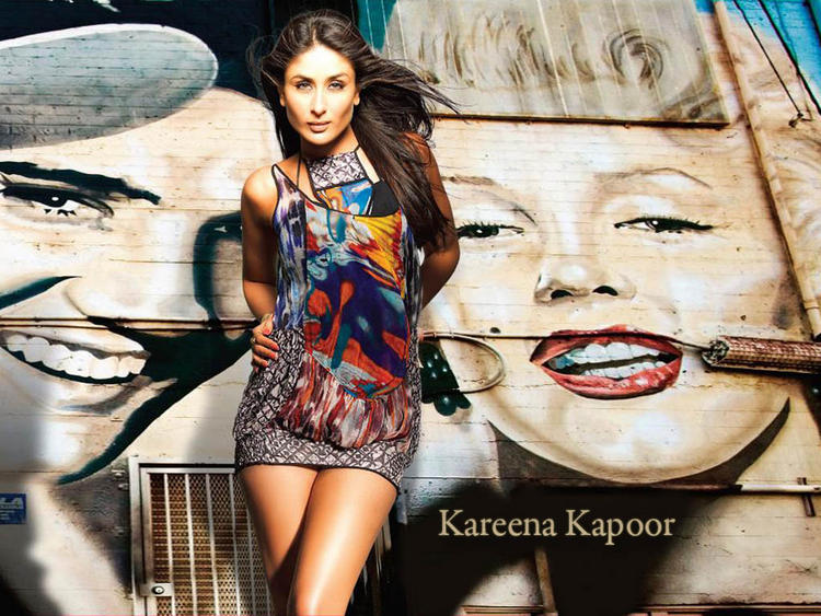 Sexy Kareena Kapoor Hottest Wallpaper