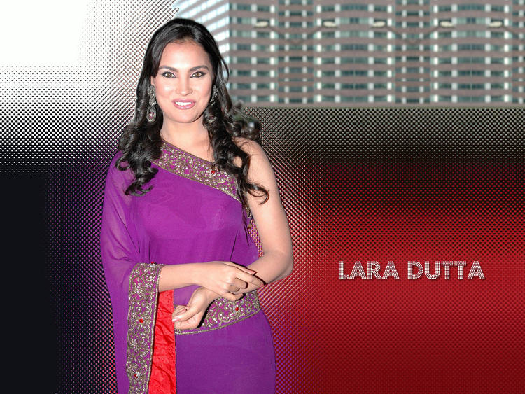 Lara Dutta Amazing Dress Still