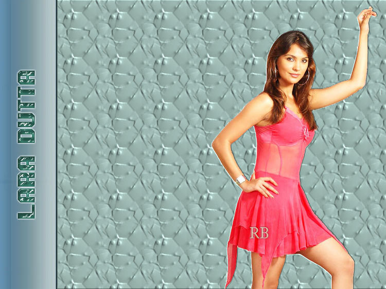 Lara Dutta Hot and Spicy Wallpaper In Transparent Saree