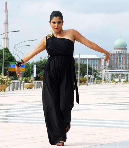 Ramya Amazing Dress Sexy Stunning Pic