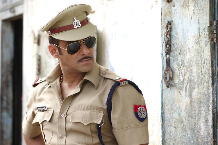 Salman Khan Police Dress Pic In Dabangg