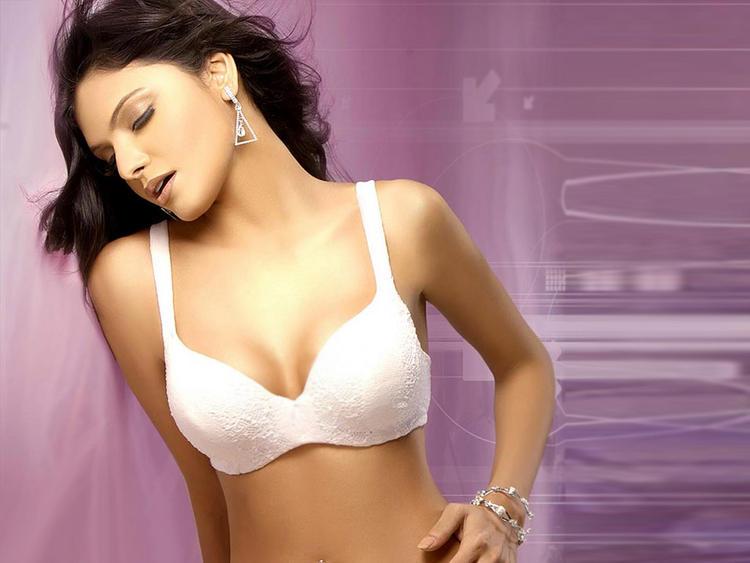 Mona Chopra White Bikini Romancing Wallpaper