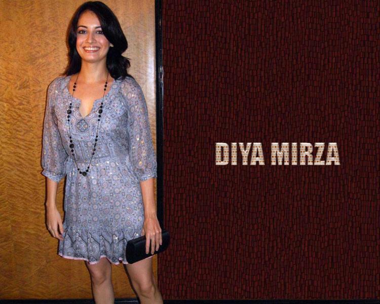 Diya Mirza Short Dress Gorgeous Wallpaper