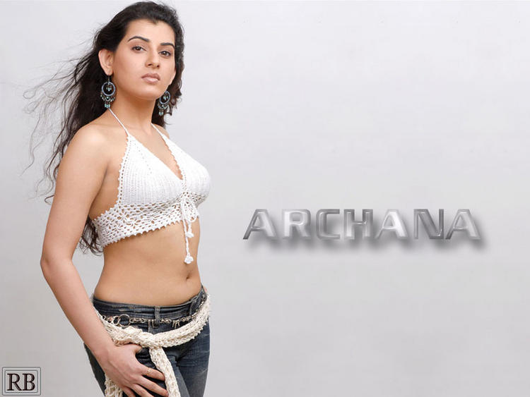 Archana Sexy Navel Show Wallpaper