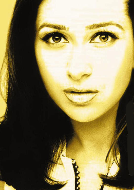 Karishma Kapoor Beautiful Eyes Look Still