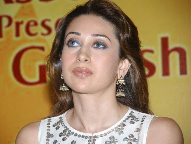 Karishma Kapoor Sexy Blue Eyes Look Still